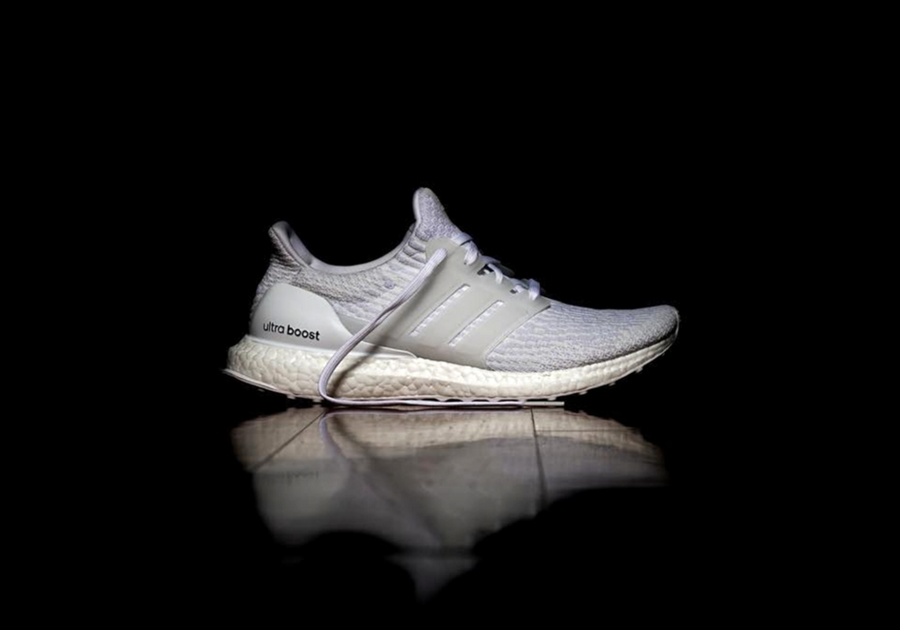 info adidas ultra boost triple white 3 0. Black Bedroom Furniture Sets. Home Design Ideas