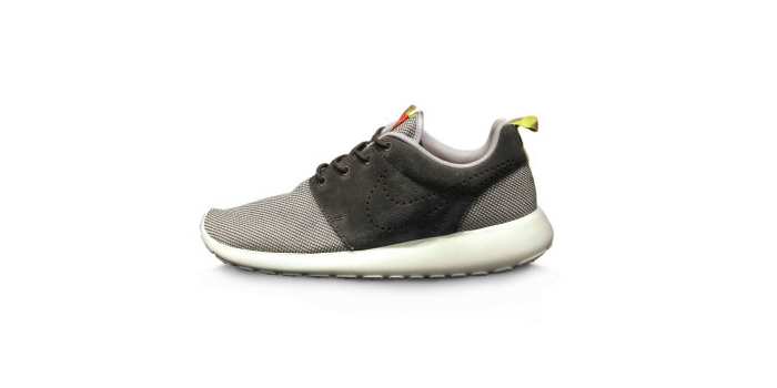 Nike Rosherun Dusty Grey and Dark Pewter