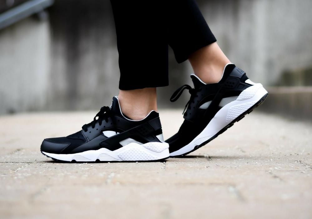 Nike Air Huarache Black/Flat Silver