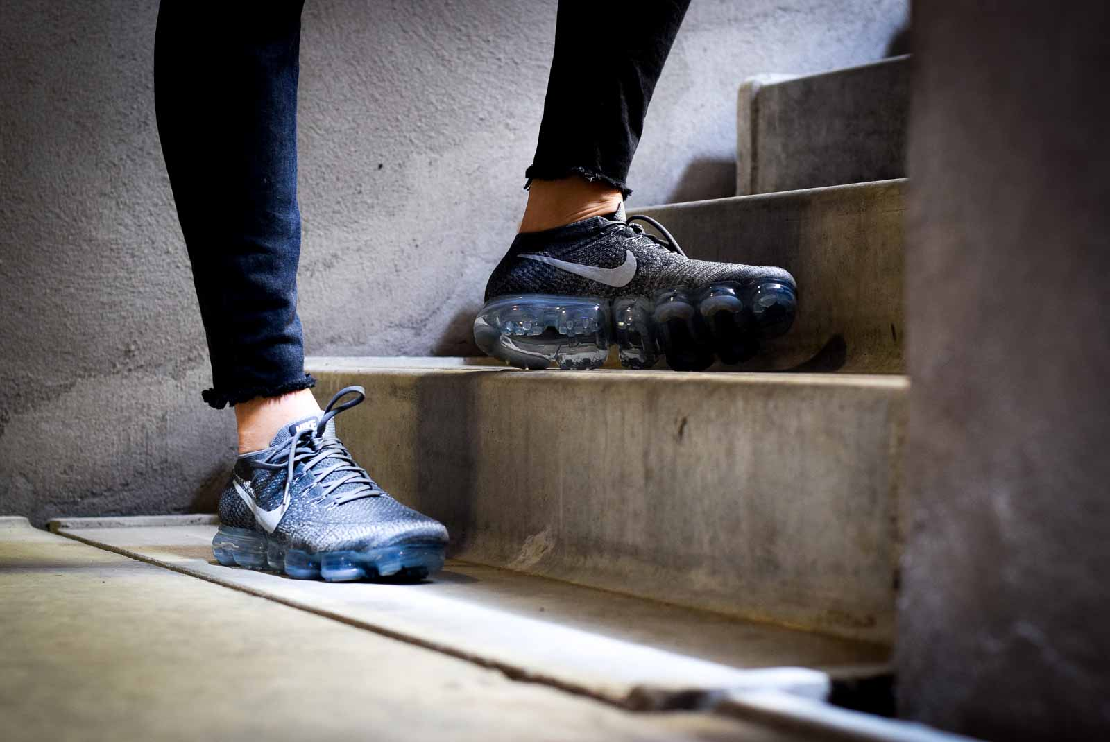 vapormax asphalt on feet
