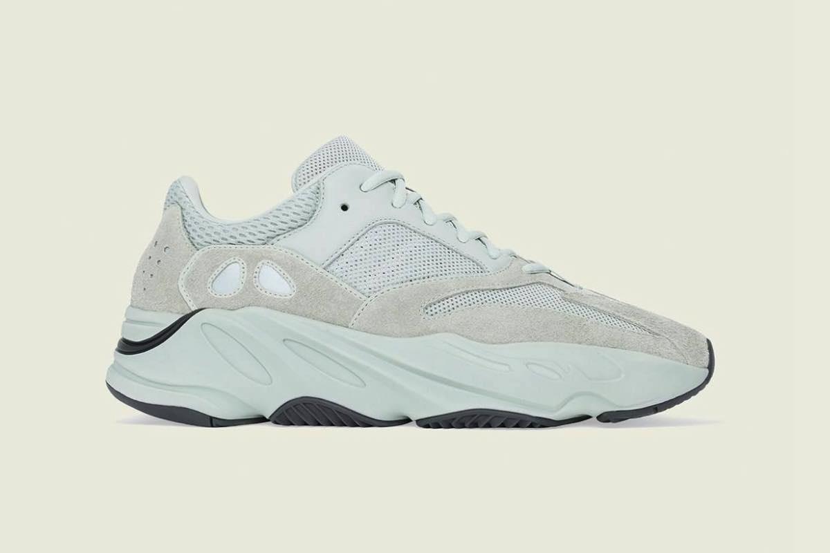 Her kan du købe Adidas YEEZY Boost 350 V2 Triple White i