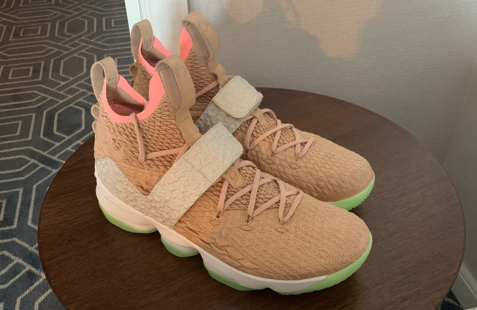 Lebron James spottet i Air Yeezy-inspireret signatur-sneaker