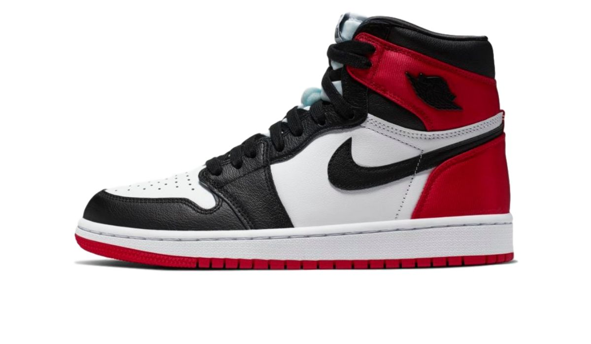 "Nike WMNS Air Jordan 1 Satin ""Black Toe"""