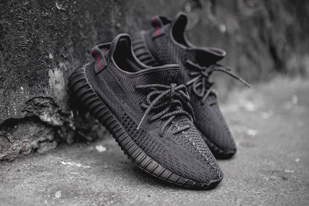 "Yeezy Boost 350 V2 ""Black"" vender tilbage på Black Friday"