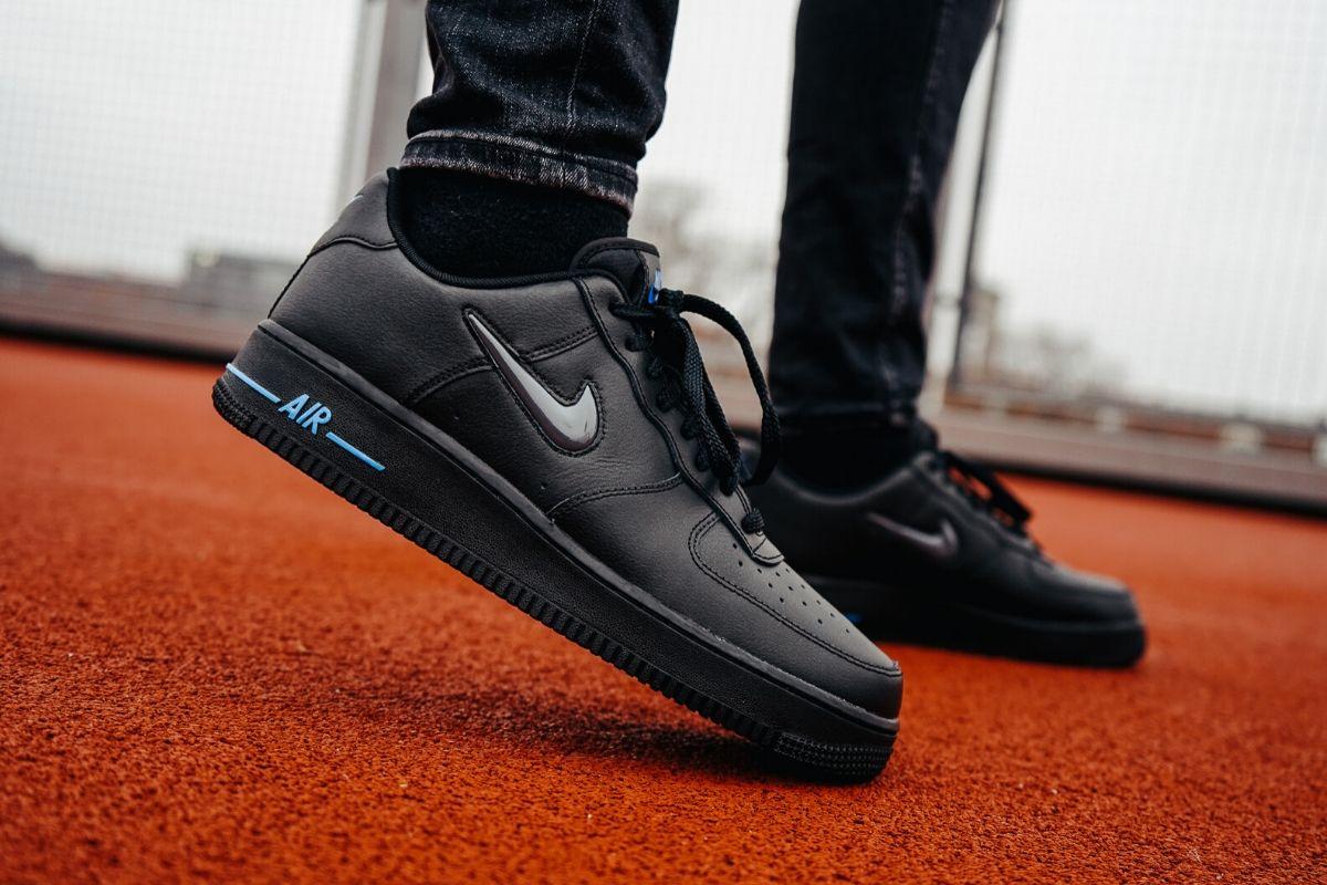 Nike præsenterer ny, juvelbesat Air Force 1