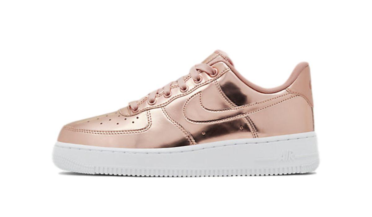 "Nike WMNS Air Force 1 SP ""Metallic Bronze"""