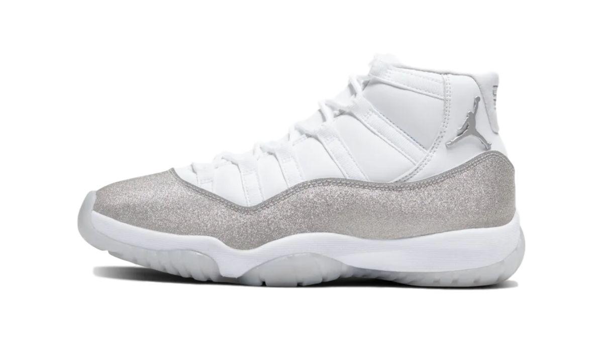 "Nike WMNS Air Jordan 11 ""Grey/Metallic Silver"""